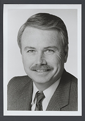 Elton W Gallegly
